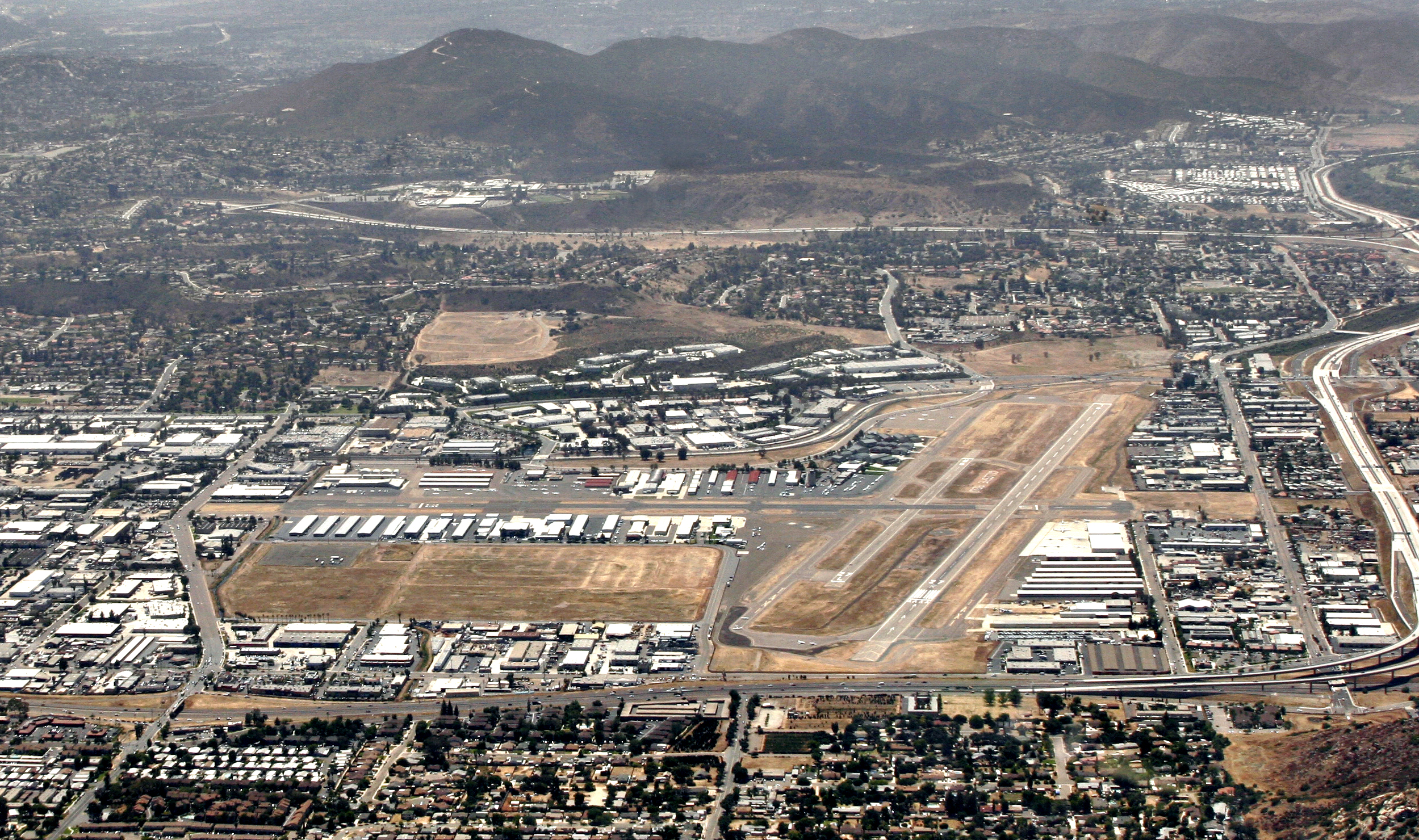San Diego Airport (SAN) to El Cajon - 6 ways to travel via ...